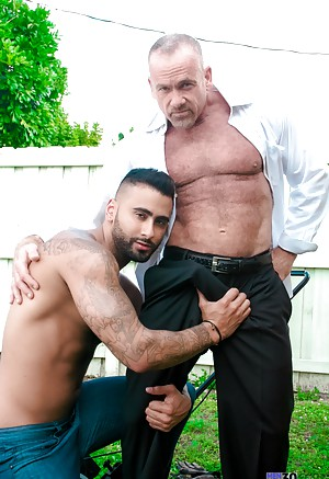 Mature Gay Twinks porn pics